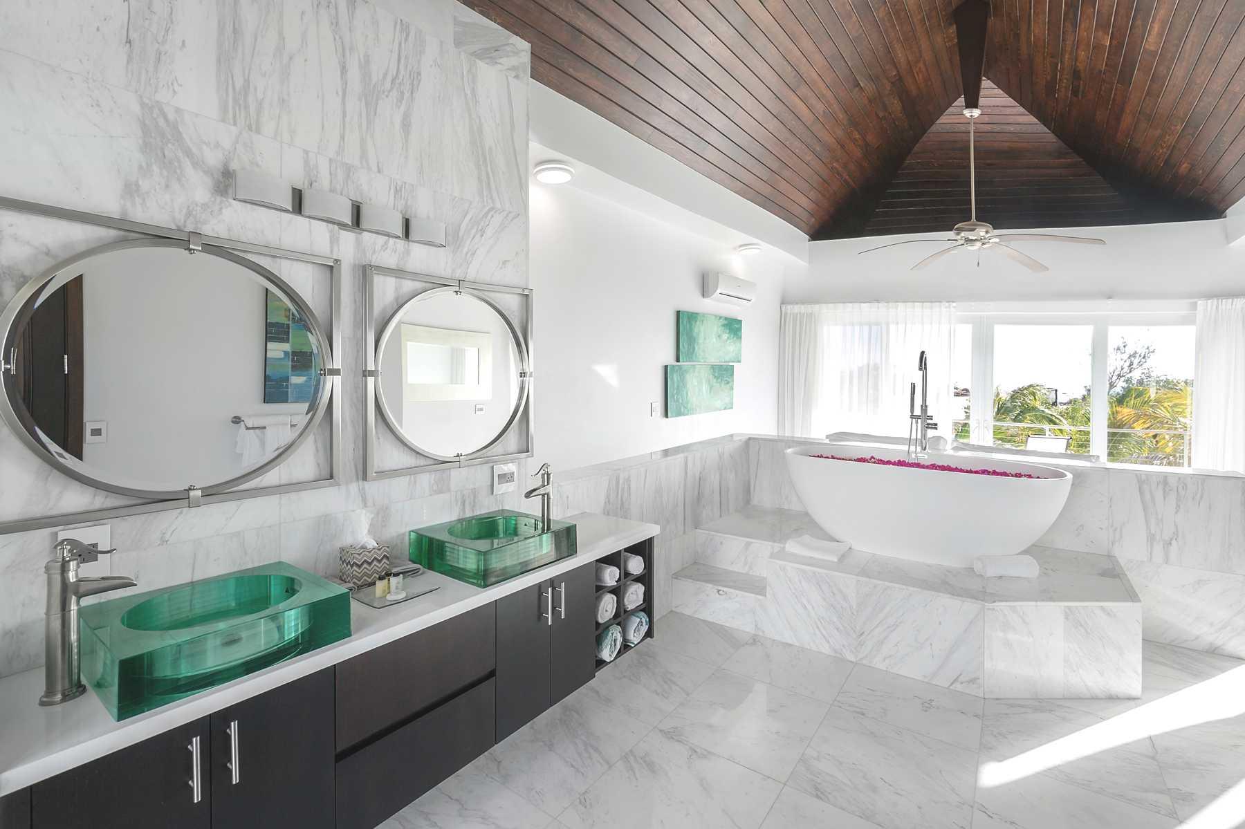 Volakas marble tile